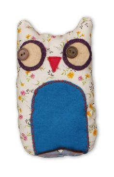 Owl Toy by Chloe Owens Owls, Pot Holders, Chloe, Sewing, Crafts, Ideas, Dressmaking, Manualidades, Hot Pads