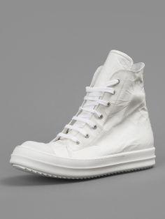 Лучших изображений доски «sneakers»  1705 в 2019 г.   Workout shoes ... 3e73b60e525