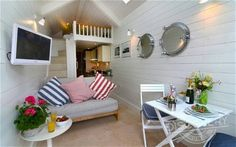 'Most expensive' beach hut goes on sale for £245,000 - Telegraph