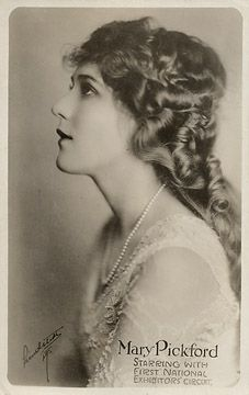 Classic Hollywood Photo Collection For Sale: The Society of Independent Motion Picture Producers Hollywood Photo, Classic Hollywood, Old Hollywood, Classic Actresses, Actors & Actresses, Mary Pickford, In Another Life, Simple Pictures, Silent Film
