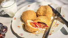 Vylepšené švestkové knedlíky? Zkuste těsto z krupicové kaše! - Proženy Dumplings, French Toast, Bread, Chicken, Breakfast, Ethnic Recipes, Pizza, Morning Coffee, Brot