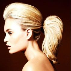 İddialı kıyafetler giydiyseniz, sade bir makyaj ve at kuyruğu saç; mükemmel dengeyi yakalamak için bir fırsattır. #hair #care #beauty #beautiful #haircut #hairstyle #fashion #hairfashion http://www.handehaluk.com