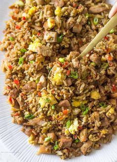 Arroz Chaufa is Peruvians version of Chinese fried rice It is influenced by the influx of Chinese immigrants to Peru Perus fried rice version consists of rice sweet peppe. Rice Recipes, Asian Recipes, Mexican Food Recipes, Chicken Recipes, Cooking Recipes, Healthy Recipes, Cooking Ham, Water Recipes, Grilling Recipes