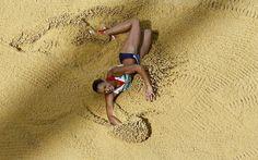 Jessia Ennis on her way to winning gold in the women's heptathlon