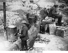 british-soldiers-in-trench-western-front-ww1-drhy3g.jpg (640×494)