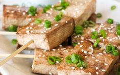Just 5 or 10 minutes of marinating has these tofu skewers tasting deliciously savory and browned. Paired with peanut sauce that you can enjoy crunchy or smooth, this dish is wonderful as a party appetizer, finger food, or even as a meal!