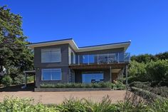 Wa Kainga - 3 bedrooms, 3 bathrooms - 8 persons. Close to Cable Bay. $350-$450 per night + $200 cleaning fee.
