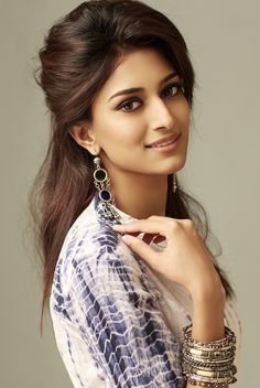 Erica Fernandes is a well known daily soap actor. She has won a famous beauty pageant too. She is very popular for several roles in films too. Beautiful Girl Photo, Beautiful Girl Indian, Most Beautiful Indian Actress, Prettiest Actresses, Beautiful Actresses, Beauty Full Girl, Beauty Women, Bollywood Girls, Beautiful Bollywood Actress