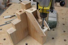 """Massivholzbett """"Melanie"""" Woodworking Furniture Plans, Woodworking Joints, Woodworking Tips, Diy Furniture, Diy Wood Projects, Wood Crafts, Japanese Bed, Bedroom Frames, Diy Bed Frame"""