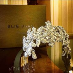 Lebanese Weddings (@lebaneseweddings) • Instagram photos and videos Bridal Veils And Headpieces, Headpiece Wedding, Wedding Dresses 2018, Bridal Dresses, Elie Saab Bridal, Lebanese Wedding, Elie Saab Couture, Bride Hair Accessories, Bridal Crown