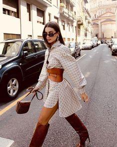 The Latest Street Style From Paris Fashion Week Fashion Moda, Look Fashion, High Fashion, Fashion Outfits, Womens Fashion, Fashion Tips, Fashion Design, Fashion Trends, Abaya Fashion
