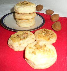 Biscottini gorgonzola e noci, classico finger food