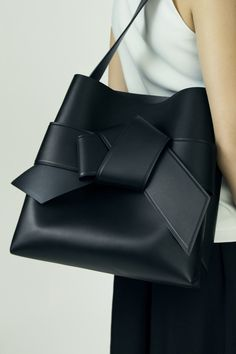 Musubi Shopper, Black, 1200x 008 Clothing, Shoes & Jewelry : Women : Handbags & Wallets : http://amzn.to/2jBKNH8