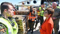 Antonow 225 mit Schutzmasken aus China in Leipzig gelandet Der Arm, In China, Hats, Fashion, Corona, Hazmat Suit, Protective Mask, Health Ministry, Saying Goodbye