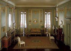 Louis XVI style: boudoir