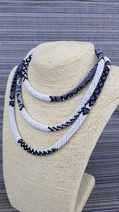 Bead Crochet, Crochet Necklace, Beaded Necklace, African Beads, Elegant Woman, Seed Beads, Beaded Jewelry, Awesome, Etsy