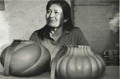 Christine McHorse | Smithsonian American Art Museum Navajo Pottery, Taos Pueblo, Pueblo Indians, Bedroom Art, Native American Art, Art Museum, The Twenties, Folk Art, Artist
