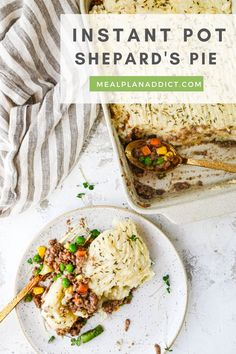 Easy and Delicious Instant Pot Shepard's Pie | Meal Plan Addict. Lazy Shepard's pie can be done all at once, yet separate in your Instant Pot, using the pot in pot method where the beef cooks in the liner, and the potatoes are steamed above the beef – all at once! This non-traditional version has you with minimal dishes and no watching boiling water! Make Family Dinner Easy and Delicious with these classic recipes in your Instant pot at www.mealplanaddict.com #mealplanaddict #instantpot 30 Minute Dinners, Cubed Potatoes, Cottage Pie, Easy Family Dinners, Food Words, Lemon Chicken, Meals For One, Quick Meals, Ground Beef