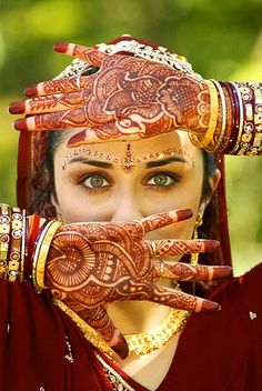 latest henna mehndi designs fancy style for brides 2019 Tattoo Henna, Henna Mehndi, Henna Art, Mehendi, Beautiful Eyes, Beautiful Bride, Beautiful People, Beautiful Mehndi, Beautiful Images