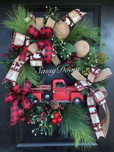 Rustic Christmas, Christmas Red Truck, Christmas Wreaths, Christmas Crafts, Christmas Decorations, Woodland Christmas, Christmas Christmas, Christmas Front Doors, Wreaths For Front Door