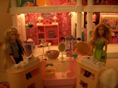Checkout Counter Plastic Shelving Units, Barbie Store, Shop Layout, Consignment Shops, Counter, Display, Tips, Shopping, Ideas