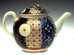 Teapot and Cover Worcester Factory Date: ca. 1768–1770