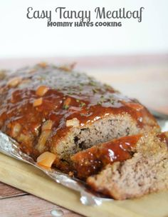 Easy Tangy Meatloaf is a delicious meatloaf that is also made gluten-free too! This one is served well with some mashed potatoes and veggies! Beef Dishes, Food Dishes, Main Dishes, Meat Recipes, Cooking Recipes, Sausage Recipes, Dinner Recipes, My Burger, Burgers