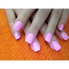 love baby pink nails <3