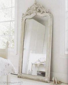 zou deze spiegel met dark wax behandeld zijn?
