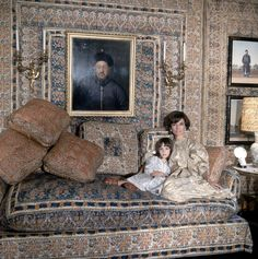 One of the most famous pictures of Lee Radziwill — photographed with her daughter, Tina, in a room designed by Mongiardino in their London in 1966, by Cecil Beaton for Vogue.
