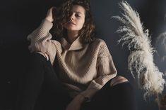Творческая мастерская создает новые образы для тебя Turtle Neck, Sweaters, Fashion, Moda, Fashion Styles, Sweater, Fashion Illustrations, Sweatshirts, Pullover Sweaters