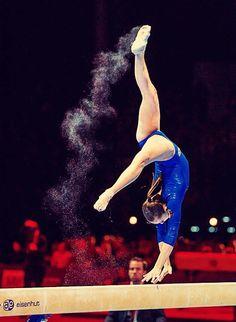 Larisa Iordache- paint instead of chalk Gymnastics Images, Gymnastics Quotes, Sport Gymnastics, Artistic Gymnastics, Rhythmic Gymnastics, Gymnastics Photography, Balance Beam, Nastia Liukin, Female Gymnast