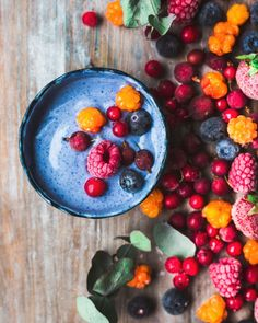 Blue smoothie with all the berries #vegan @myberryforest