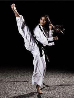 This Content For Yourself If You Like martial arts styles Korean Martial Arts, Best Martial Arts, Martial Arts Styles, Martial Arts Women, Mixed Martial Arts, Karate Shotokan, Tough Woman, Karate Girl, Taekwondo Girl