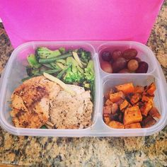 Healthy work lunch idea packed with @EasyLunchboxes  Purchase EasyLunchbox containers HERE: http://www.easylunchboxes.com/