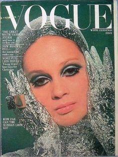 Vintage Vogue magazine covers - mylusciouslife.com - Vintage Vogue UK December 1966.jpg