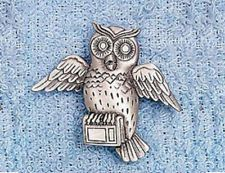 JJ VINTAGE WISE OLD OWL PEWTER BROOCH PIN SIGNED