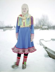 The Sami people are the Arctic indigenous people inhabiting Sápmi . Northern NOrway, Sweden, Finland and parts of Russia. Also known as Laplanders. Costumes Around The World, Tribal People, Mode Boho, Folk Costume, World Cultures, People Around The World, Traditional Dresses, Beautiful People, Beautiful Life