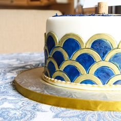Art Deco Scalloped Cake