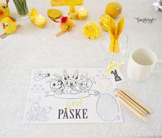 Gratis aktivitetsark // Påske // Dekkebrikke Place Cards, Barn, Place Card Holders, Design, Converted Barn, Barns, Shed, Sheds
