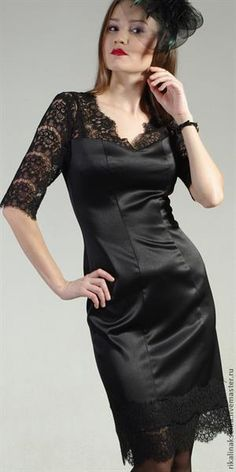 Блузка из черного гипюра
