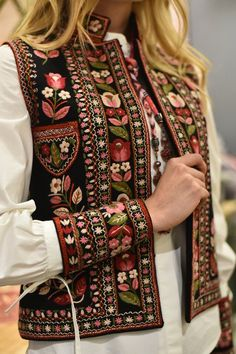Embroidered vest hand made vest hand embroidery black short vest bohemian vest ethnic women vest warm short vestEmbroidered vest Bla - February 10 2019 atOur women's vests and find out elegant quilted gilets of highest quality, made to keep someone t Wool Embroidery, Embroidery Fashion, Embroidery Dress, Afghan Clothes, Afghan Dresses, Kurta Designs, Blouse Designs, Blouse En Lin, Boho Fashion