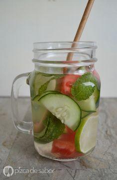 Agua con sandía, limón, pepino y menta - agua infusionada www.pizcadesabor.com