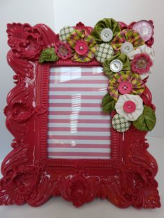 ~ Yo-Yos on a Painted Frame ~ I think I'd do this on a plainer frame....