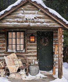 40 The Best Rustic Tiny House Ideas - hoomdesign rustic house 40 The Best Rustic Tiny House Ideas Winter Cabin, Cozy Cabin, Cozy Winter, Winter Snow, Snow Cabin, Winter Porch, Little Cabin, House Ideas, Cabin Ideas