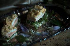 Ed ecco la Video ricetta della Pagnotta d'uovo con salmone e salsa al sedano!Adatta sia per pranzo che per cena. Per gruppi 0 A B AB.La salsa al sedano e' fatta con la maionese fatta in casa, alla quale abbiamo aggiunto 2 gambi di sedano, fatti bollire, tritati e frullati insieme alla maionese.Siamo curiosi di vedere l