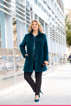 Ullkåpe i kasjmir for store størrelser Store, Coat, Collection, Fashion, Moda, Sewing Coat, Fashion Styles, Larger, Peacoats