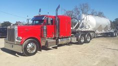 2006 Peterbilt 379 EXD - Conventional Sleeper Truck in Carencro Peterbilt 379, Peterbilt Trucks, Heavy Equipment For Sale, Great Ads, Used Trucks, Heavy Truck, Trucks For Sale, Tractors, Photo And Video