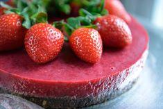Kjempegod, sunn og allergivennlig kake - Franciskas Vakre Verden Chocolate Dipped, Chocolate Brownies, Stevia, Scones, Strawberry, Keto, Snacks, Baking, Fruit