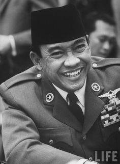 Sukarno of Indonesia during Belgrade conference Old Pictures, Old Photos, Dutch East Indies, Greatest Presidents, Rare Images, Great Leaders, Asia, Historical Pictures, Founding Fathers